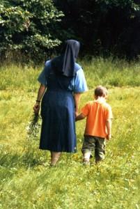 Suora e bambino